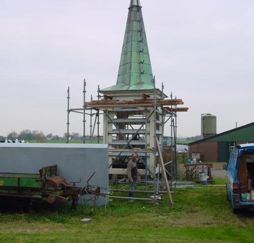 Kerktoren-in-steigers